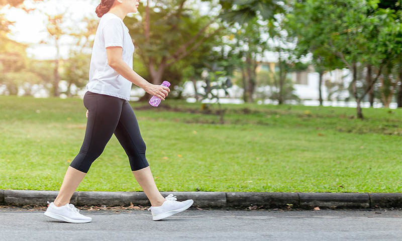 10 Amazing Benefits of Walking Daily