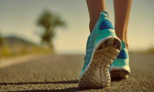 10 Amazing Benefits of Walking Daily
