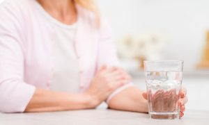 5 Benefits of Drinking Hot Water