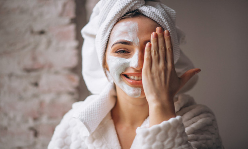 5 DIYs Face Packs for Dry Skin in Summers