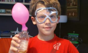 5 Super Cool Science Experiments to do at home